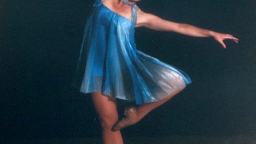 Dr. Ann-Marie Campione dancing pointe.
