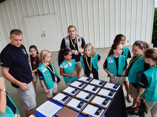 CPO-NHG-091516-GIRLS-SCOUTS-01