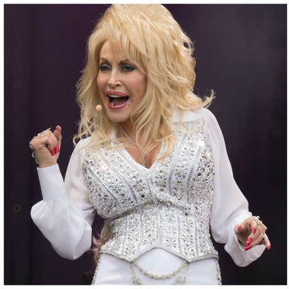 Dolly Parton and Shania Twain will perform at separate