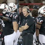 Cincinnati coach Tommy Tuberville and the Bearcats appear headed to the Hawaii Bowl on Dec. 24.