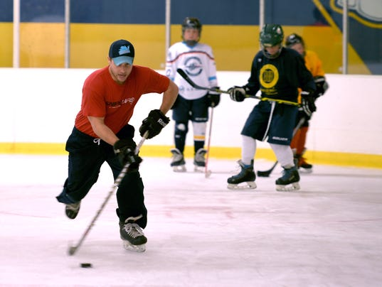 636317625888428911-labhockey-02.jpg