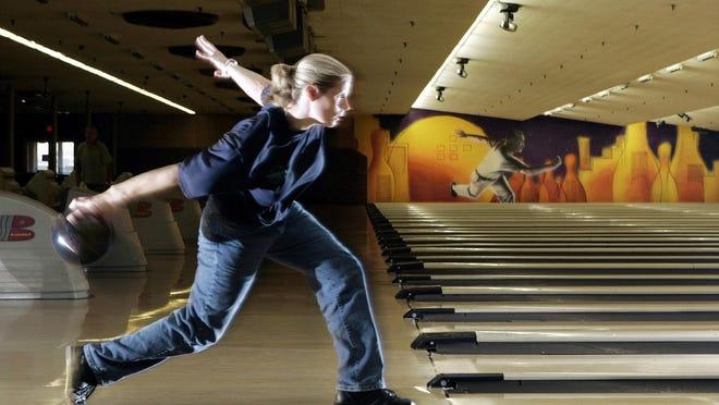 PWBA star Kelly Kulick practices bowiing in 2006 in Linden, N.J.