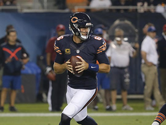 Chicago Bears quarterback Jay Cutler (6) drops back to pass during the first half of the Sept. 19 game against the Philadelphia Eagles in Chicago. The Minnesota Vikings will try to get back to winning against the Bears on Monday night.