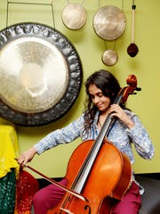 Isabel Castellvi plays the cello.