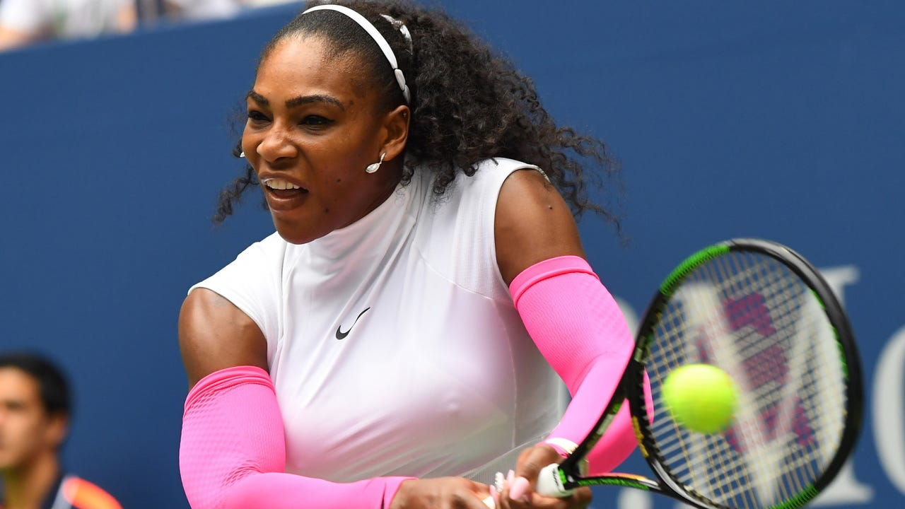Tennis Channel recaps the day's action at the U.S. Open, where Serena and Venus Williams, Simona Halep, Any Murray and Stan Wawrinka won with ease in the third round.