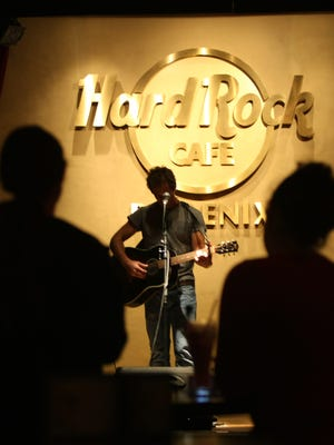 The Hard Rock Cafe in downtown Phoenix is closing.