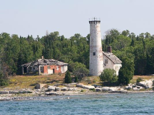 636063639662510324-Poverty-Island-lighthouse.jpg
