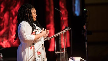Angie Thomas, 'The Hate U Give' author, receives national award