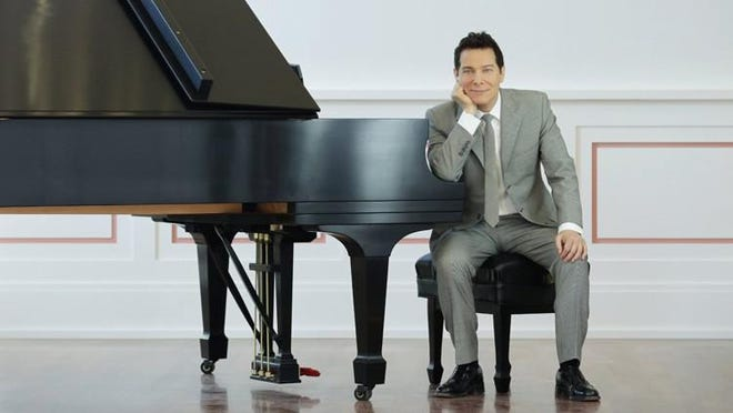 Michael Feinstein led The Kravis Pops Orchestra Big Band Wednesday in a concert of the Great American Songbook the Kravis Center.