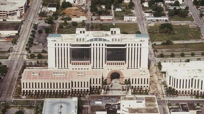An aerial photo of the new Palm Beach County courts complex in September 1993.
