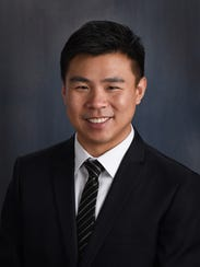 Physician assistant Ling Zhong