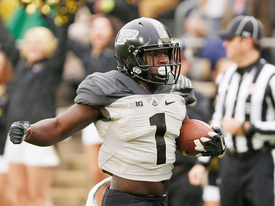 D.J. Knox sprints to the endzone for a touchdown at 10:24 in the first quarter against Illinois Saturday, November 4, 2017, at Ross-Ade Stadium.