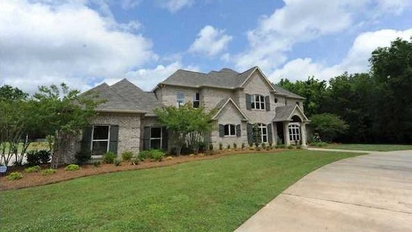 266 Dominion Pkwy, Brandon is listed at $1,800,000. It has 5 bedrooms, 4 full baths and 2 half baths.