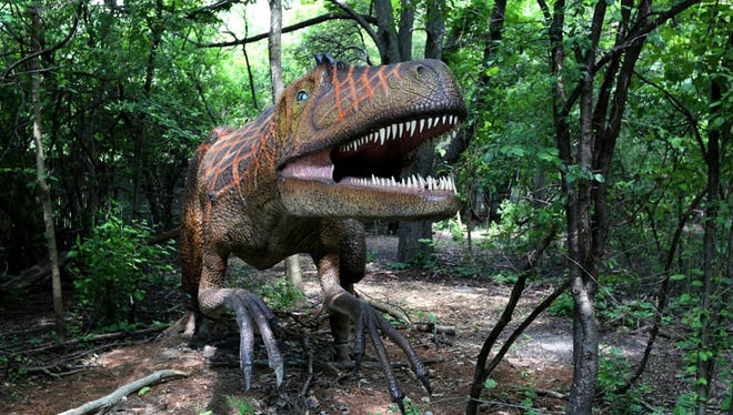 Dinosauria is back at the Detroit Zoo in Royal Oak, delighting kids and families with 31 dinosaur replicas on a 1/2 mile Dino trail.  The exhibit will be up until September 7, 2015.