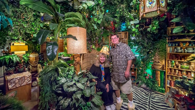 "Wendy and Daniel Cevola have turned one of their Elk Grove home's rooms into a ""jungle"" that includes three stereos simultaneously playing tropical storm sounds. (Manny Crisostomo/Sacramento Bee/TNS)"