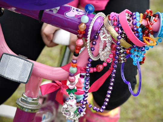 Lauren Ringsmuth, 5, Waite Park, decorated her handle
