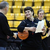 Cancer diagnosis, treatment only a bump in the road for Southern Miss' Joye Lee-McNelis