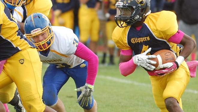 Devon Carr rushed for 106 yards and two touchdowns in  the second half of Saturday's game against Maple Shade.