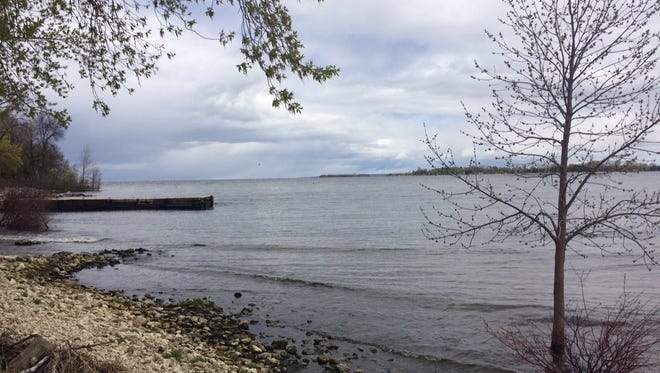 A search for a boater on the Bay of Green Bay missing since Friday night was called off Saturday morning.
