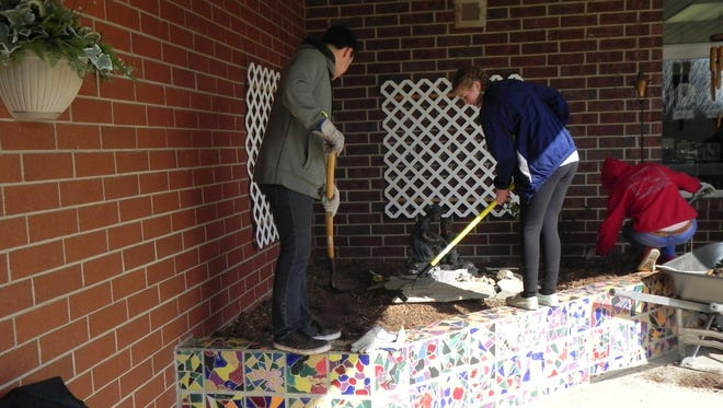 Some high school students in Oconee County recently helped out a Walahalla elementary school.