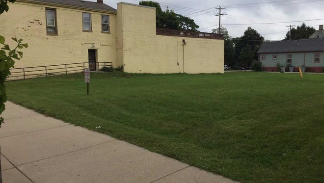 A long-vacant lot on King Drive, just south of the recently closed Reader's Choice bookstore, is being proposed for a medical office building.