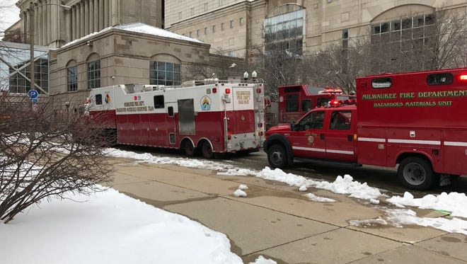Authorities responded to a report of a gas leak at the MacArthur Square parking garage Monday evening next to the courthouse. There was no gas leak.
