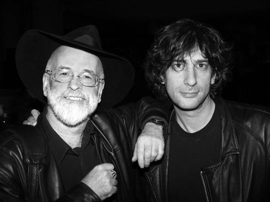 Neil Gaiman and Terry Pratchett promoting a new edition of  Good   Omens  in 2005.