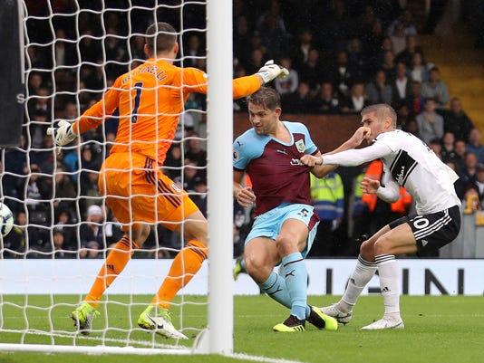 Britain_Soccer_Premier_League_66581.jpg