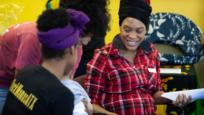 Black Mamas ATX will bring its support groups, called Sister Circles, to mothers and moms-to-be in Manor with a $40,000 grant from Impact Austin.