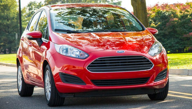 Ford Fiesta Gas Mileage >> Ford Slices Mpg Ratings Promises Compensation