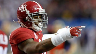 Alabama linebacker Reuben Foster is recovering from surgery to repair the rotator cuff in his right shoulder.