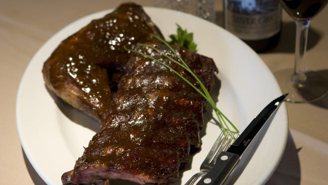 Frasher's Steakhouse closed in 2015. The longstanding Scottsdale restaurant is set to reopen on New Year's Eve.