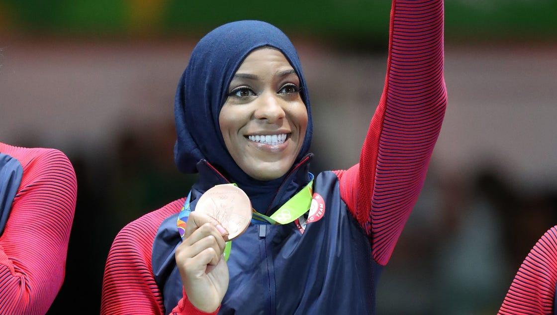 Muslim U S Olympian Ibtihaj Muhammad Says She Was Held By