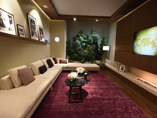 The lounge area of the Oscars green room.