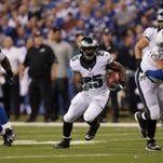 Eagles running back LeSean McCoy (25) runs during the first half of Monday's game against the Indianapolis Colts.