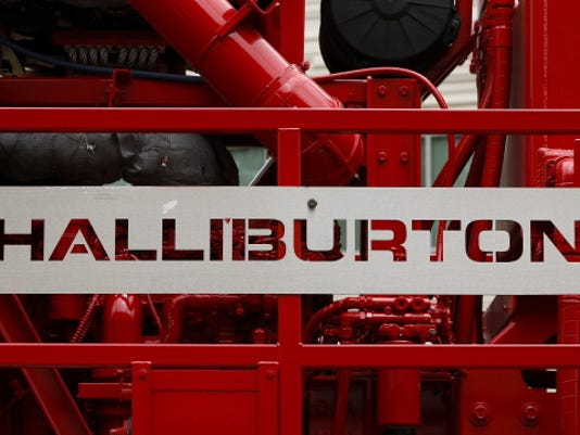 Operations During A Halliburton Fracking Tour