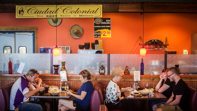 Cuidad Colonial serves the weekday dinner crowd.