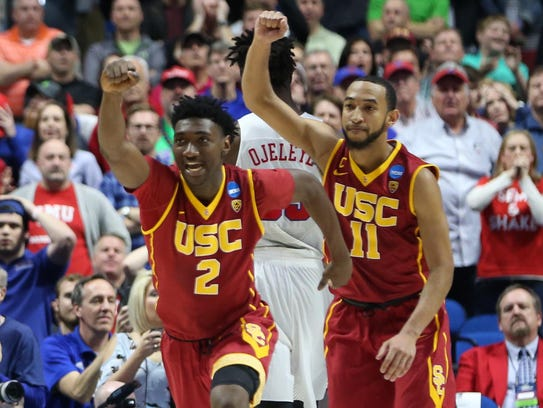 USC Trojans guard Jonah Mathews and guard Jordan McLaughlin