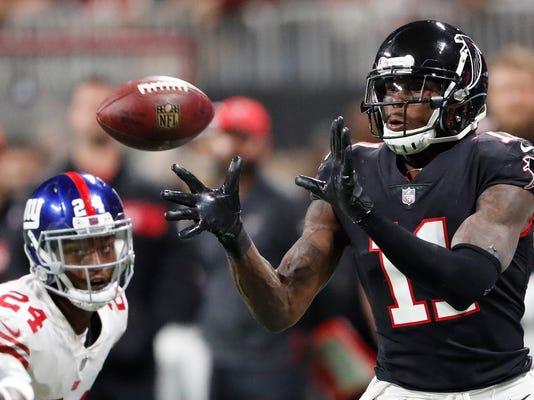 Giants_Falcons_Football_33328.jpg