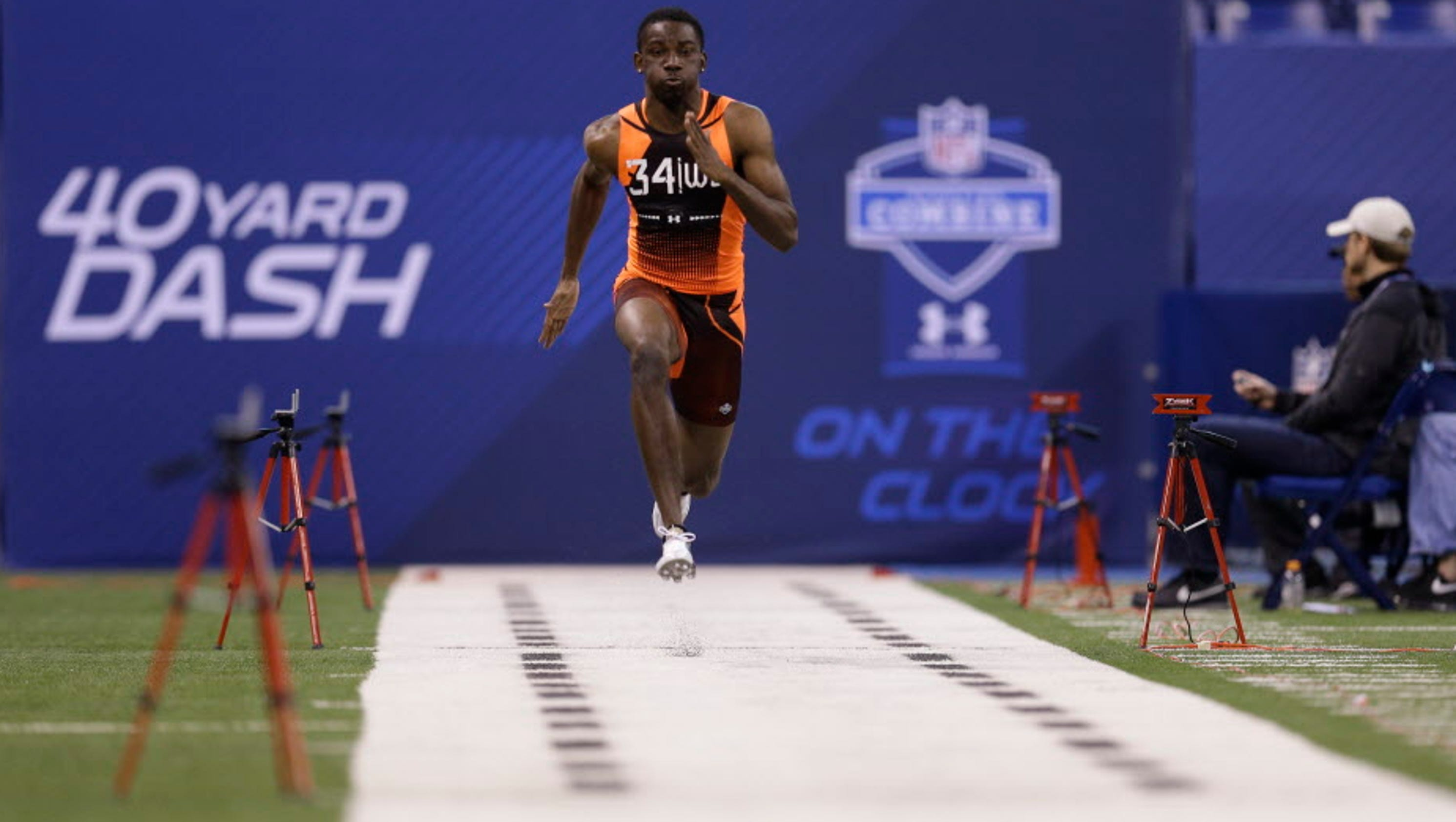 Top 4 College Football 2017 >> Top 10 fastest 40-yard dash times at the NFL scouting combine