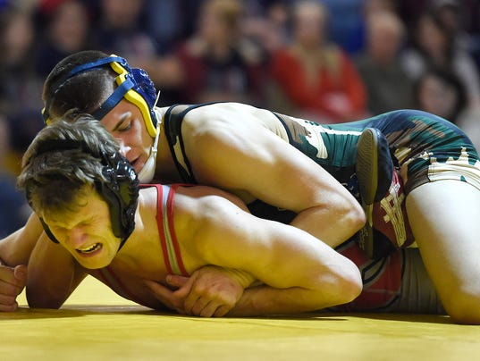ldn-mkd-010416-NL-wrestling-06.jpg