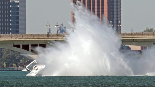 Theoret boat flipping.