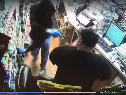 636414228006309274-Screengrab-Norris-robbery2.jpg