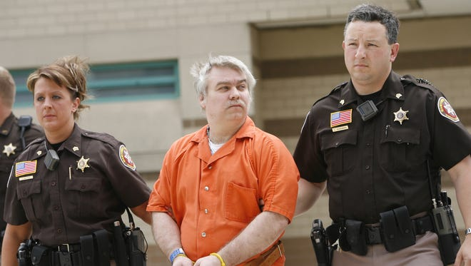 The circumstances surrounding the criminal cases against Steven Avery may be unprecedented, experts say.