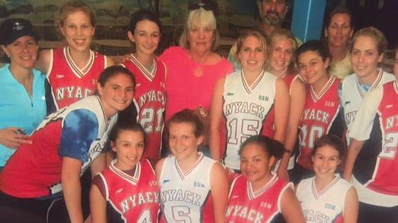 Fran Sennas (center back) with 2007 Nyack players