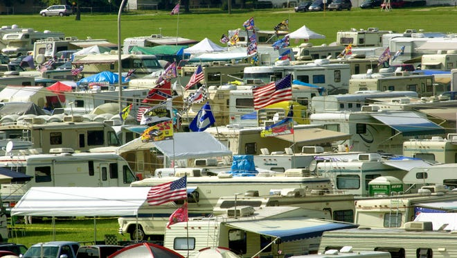 Campers filled the Coke Lot in May 2000.