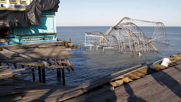 The Jet Star coaster sits in the Atlantic Ocean, where it broke away from the end of Casino Pier in Seaside Heights during Hurricane Sandy.  Gannett NJ photo/Thomas P. CostelloThe Jet Star coaster in shown in the ocean where it broke away from the end of Casino Pier in Seaside Heights, NJ, during HUrrican Sandy.  New Jersey Governor Chris Christie came to the pier Friday damage along the Jersey coast.    SEASIDE HEIGHTS, NJ   11/9/12  GOVERNORSANDY1109N   ASBURY PARK PRESS PHOTO BY THOMAS P. COSTELLO