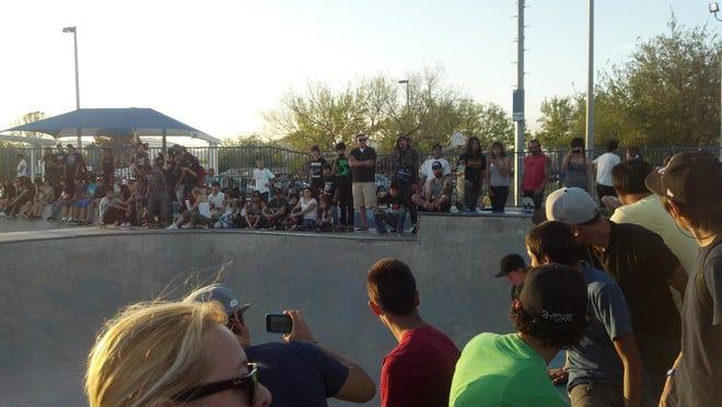 SkateboardCrowd