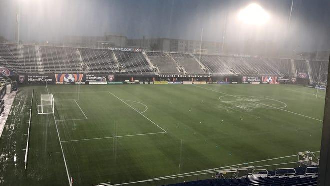 The rain falls at Riccardo Silva Stadium.