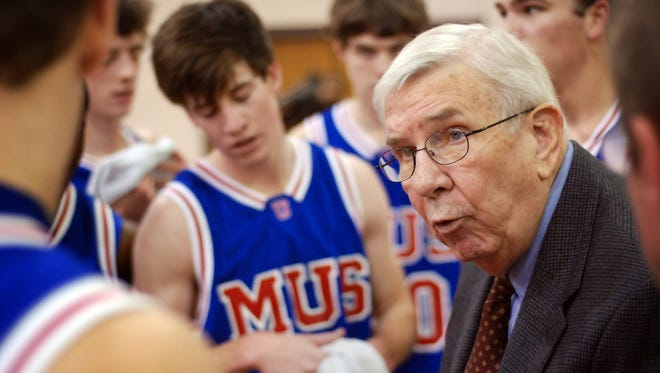 MUS coach Jerry Peters talks to players during the Chubby Andrews Invitational on Dec. 20, 2008.
